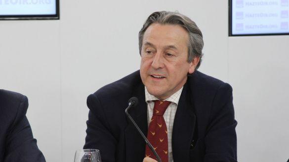 Vox, por boca de Tertsch, único partido que apoya a Plácido Domingo