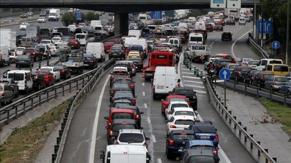 La DGT recuerda: del 23 al 26 hay que evitar el paso fronterizo por el País Vasco