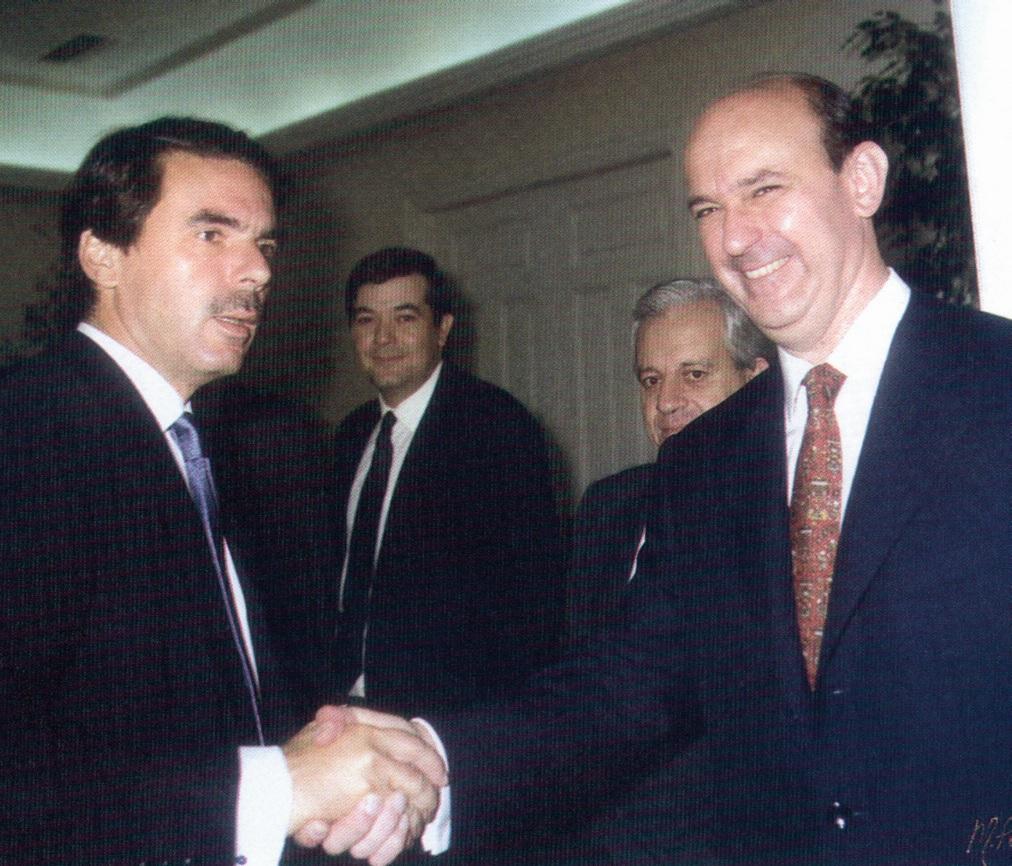 Andrés Ollero : Un comercial del Opus en el Tribunal