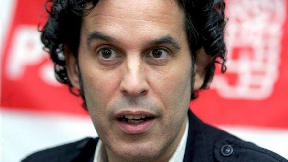 Vox falta el respeto a la memoria de Pedro Zerolo y propone quitarle su plaza