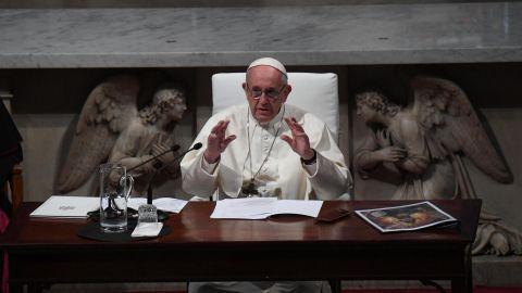 El Papa admite los abusos sexuales a monjas por parte de curas y obispos