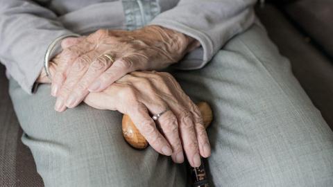 La música para unir a ancianos y jóvenes