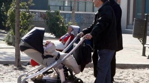 La semana que viene se podrá pedir la devolución de IRPF de maternidad y paternidad