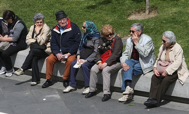 El envejecimiento de la población española es evidente, de ahí que expertos en la materia pidan medidas, sobre todo en las zonas rurales. (FOTO: Europa Press/Archivo)