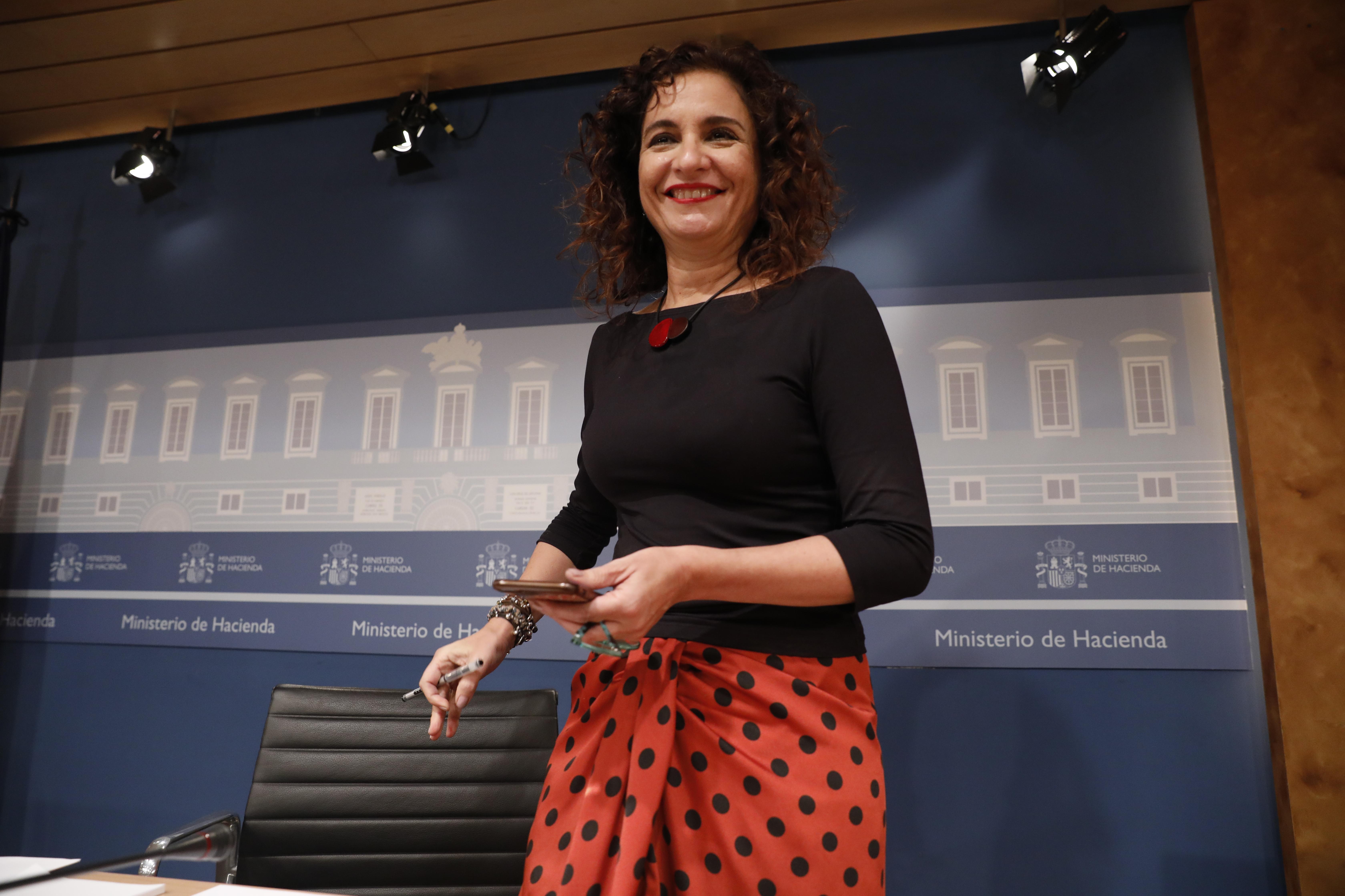 52f5231a6 La ministra de Hacienda María Jesús Montero en la rueda de prensa de esta  mañana