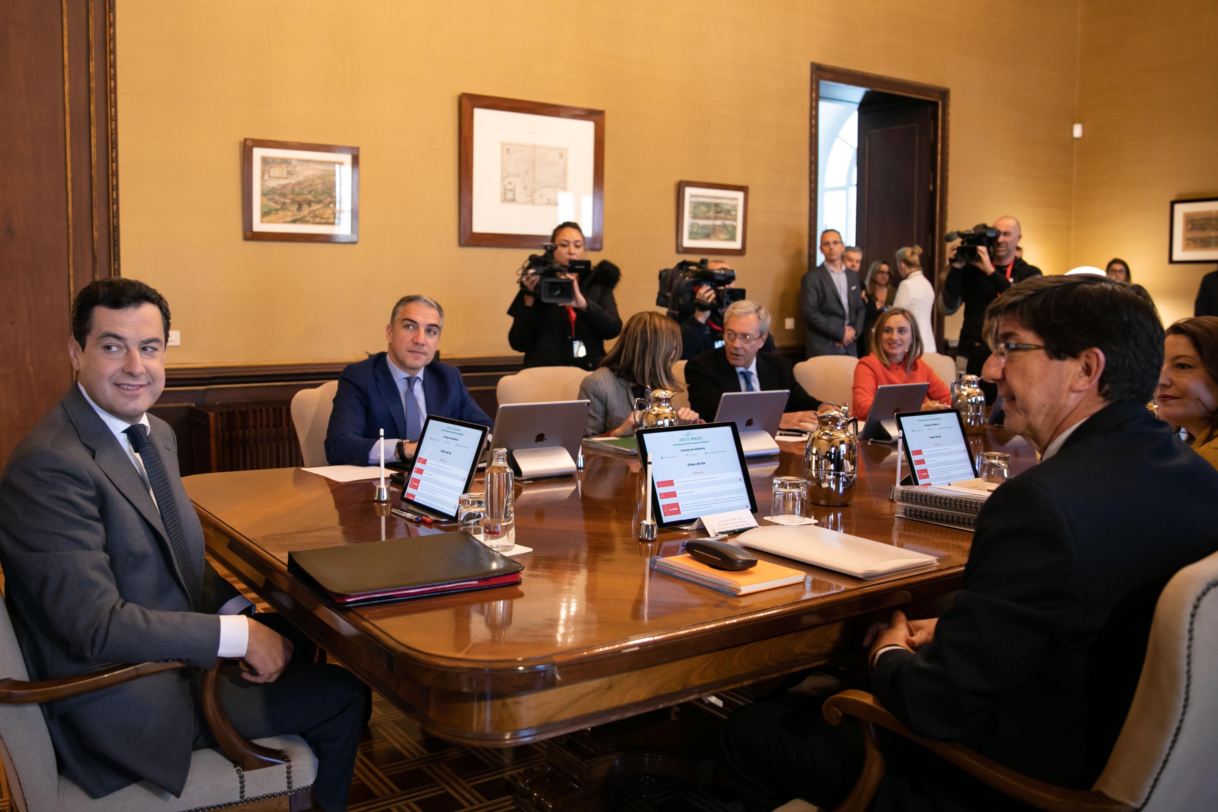 Primera reunión en el Palacio de San Telmo del Consejo de Gobierno de la Junta.