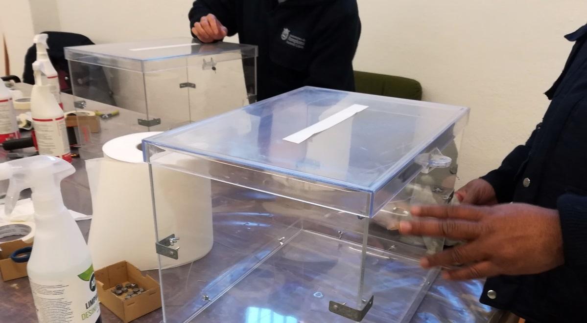 Preparación de las urnas para las elecciones generales. EP