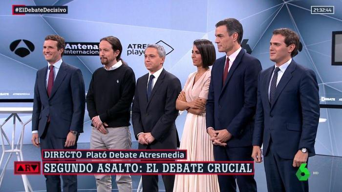 ¿Cuánto mide Vicente Vallés? - Altura Los-cuatro-candidatos-junto-a-vicente-valles-y-ana-pastor_5_700x394
