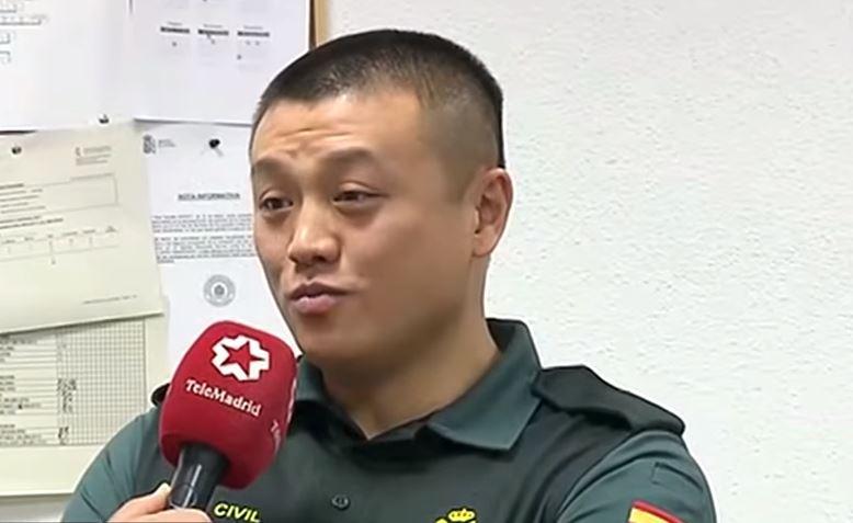 Xiaowei Li primer Guardia Civil. Fuente: Telemadrid
