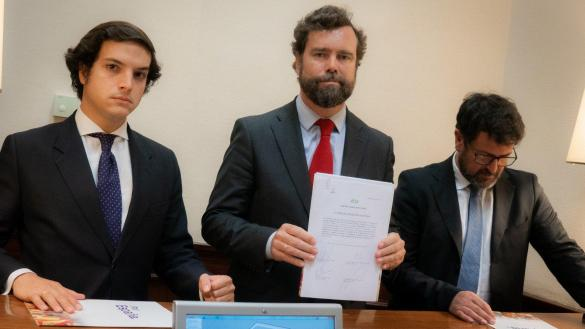 """Vox se niega a condenar el franquismo: """"Somos herederos y la historia es la que es"""""""