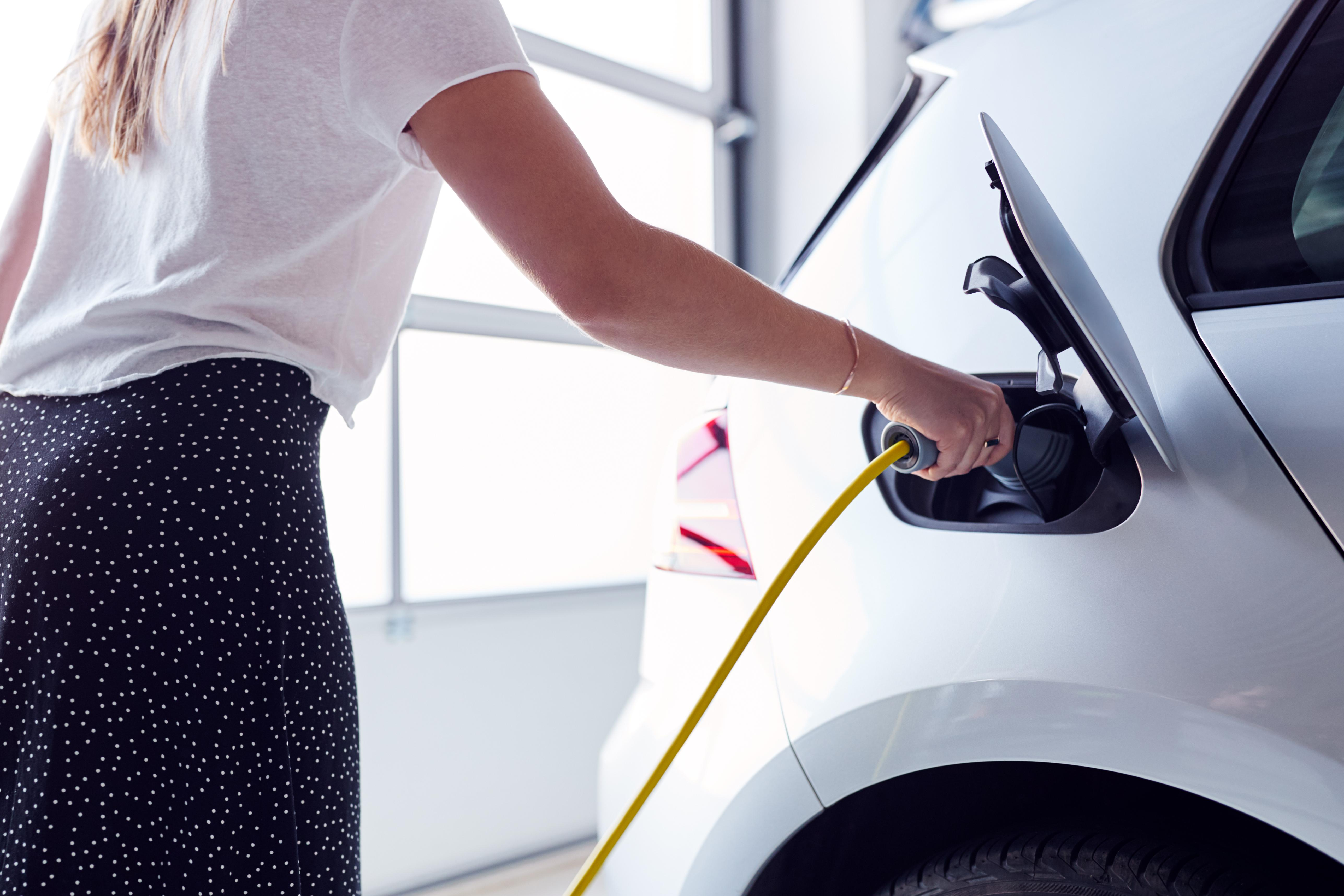 El coche eléctrico acelera: en septiembre subieron las matriculaciones