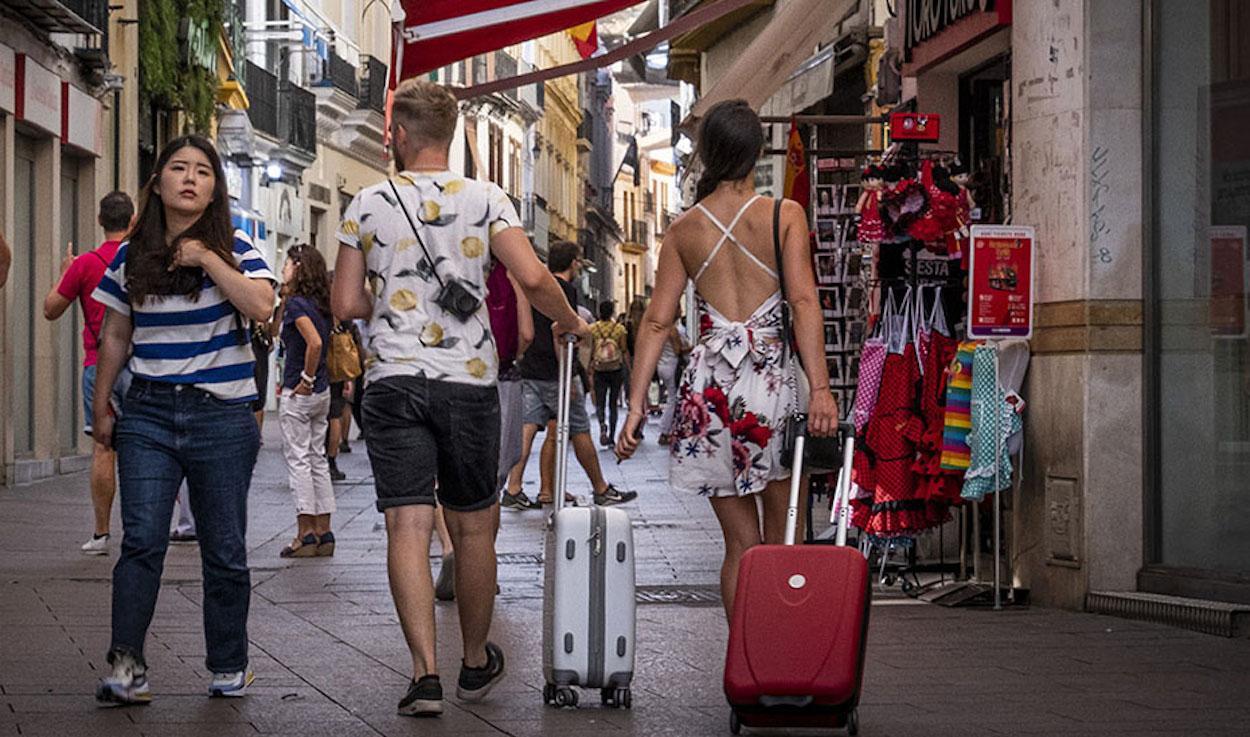 Turistas en el centro histórico de Sevilla. JUNTA DE ANDALUCÍA