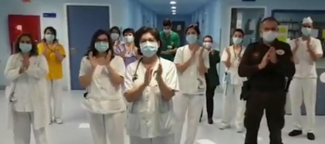 Coronavirus: Los sanitarios devuelven los aplausos a los ciudadanos