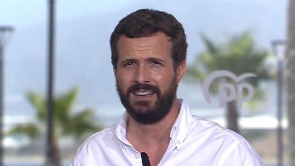 El doble rasero de Pablo Casado: critica las vacaciones de Sánchez mientras calla sobre las de Ayuso