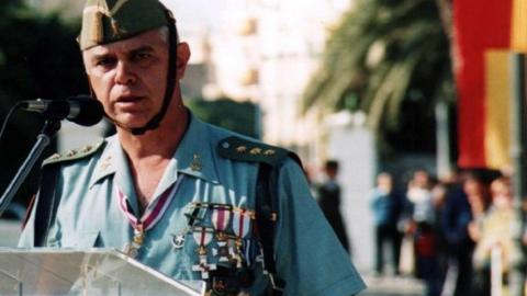 """Un excoronel """"crítico"""" de la Legión le gana la """"batalla"""" a Abascal y se hace con el liderazgo de Vox en Málaga 1"""